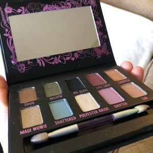 Urban decay 10 shadow pallet